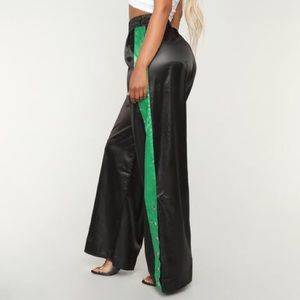 Flared Leg Snap Pants Black Green Fashion Nova NWT